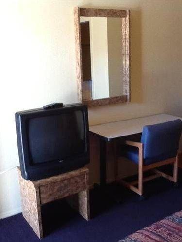 фото Mesa Oasis Inn & Motel 668576130
