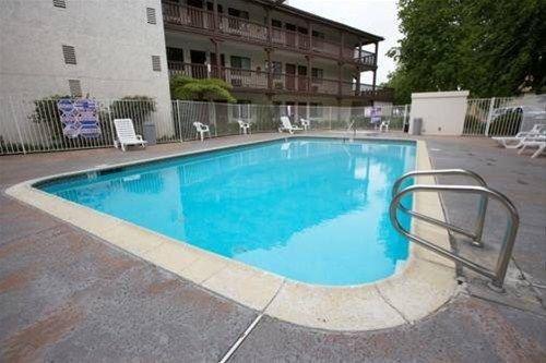 фото EZ 8 Motel South Bay 668577702