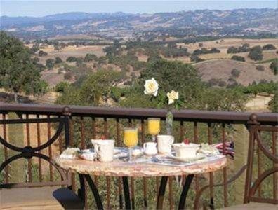фото High Ridge Manor Bed & Breakfast 668581187