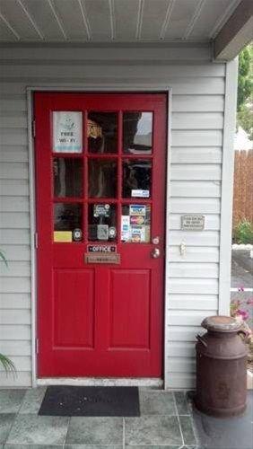 фото Buffalo Chip`s Ranch House Motel 668586629