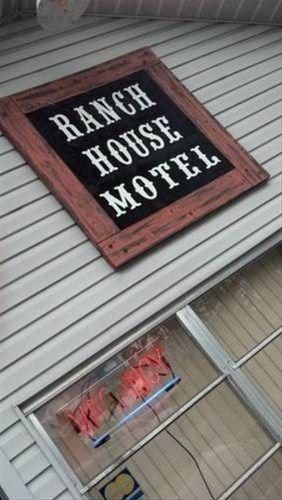 фото Buffalo Chip`s Ranch House Motel 668586630