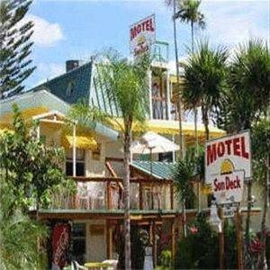 фото Sun Deck Inn & Suites 668588089