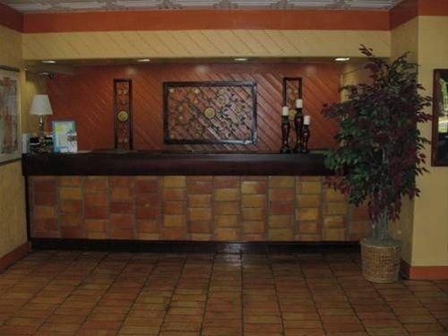 фото America`s Best Value Inn - Pensacola 668591123