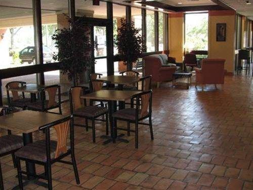 фото America`s Best Value Inn - Pensacola 668591124
