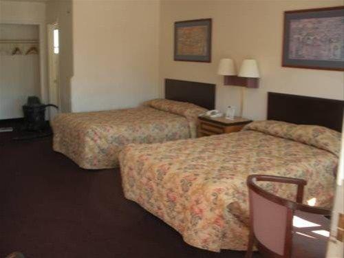 фото Relax Inn Silver Springs 668591549