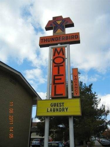 фото Thunderbird Motel 668593437