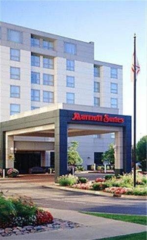 фото Chicago Marriott Suites Deerfield 668593808