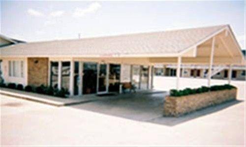 фото Nendels Inn & Suites 668595514