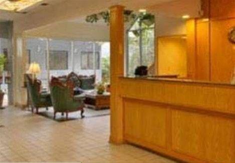 фото Travel Best Inn - New Orleans Airport 668596480
