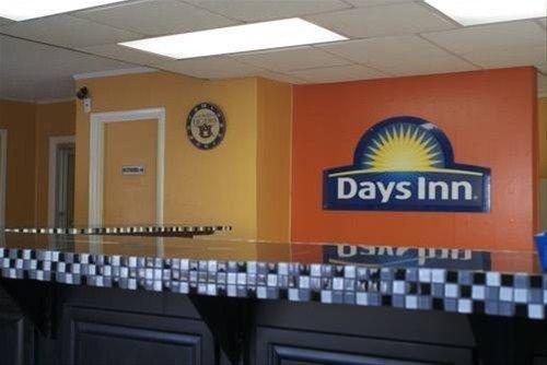 фото Auburn Days Inn and Suites 668598949