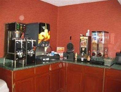 фото Baymont Inn & Suites - Charlotte Airport 668599483