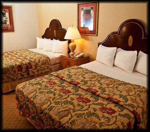 фото Golden Green Hotel - Charlotte 668599591