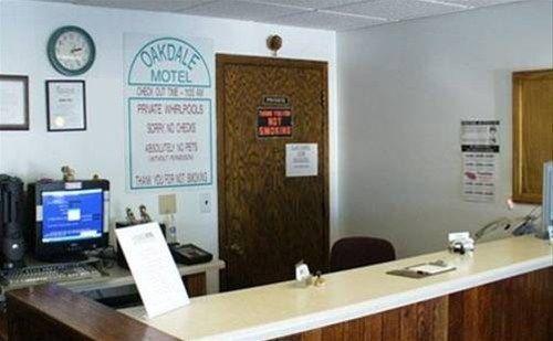 фото Oakdale Motel 668600934