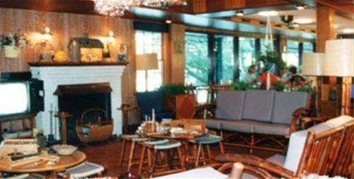 фото Kirkwood Lodge 668601347