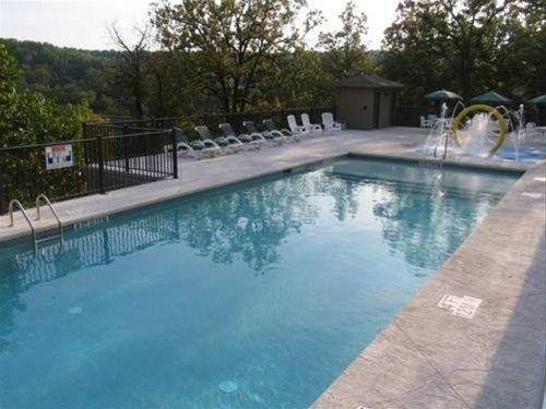 фото Holiday Shores Resort 668601379