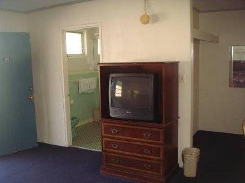 фото Economy Motel 668603203