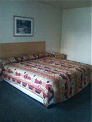 фото Town House Motor Inn 668604452