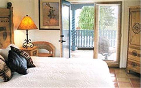 фото Casa Benavides Taos Bed and Breakfast 668606061