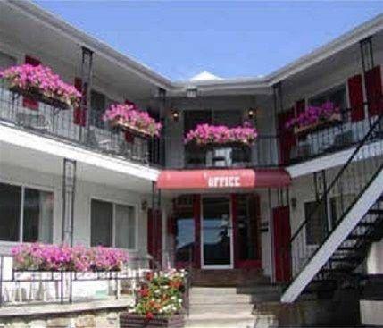 фото The Lake George Inn 668607002