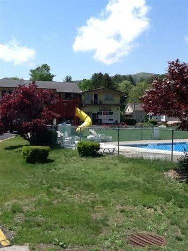 фото Legacy Inn & Suites of Lake George 668607030