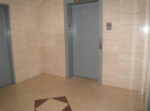 фото 55th Street Apartments 668607438