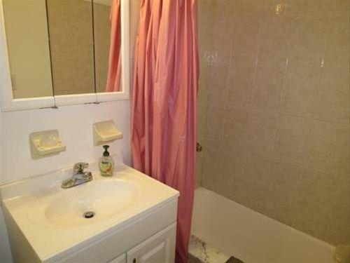 фото Midtown East Apartments 668608599
