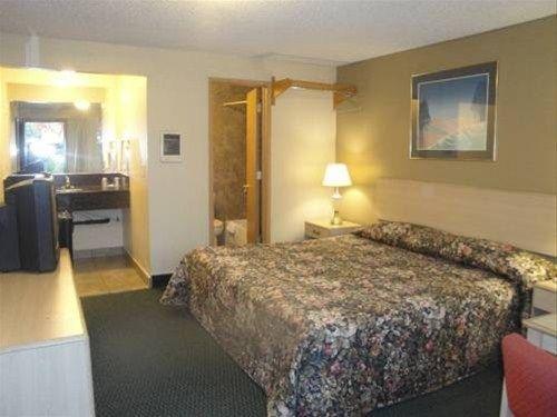 фото Executive Motel 668611868