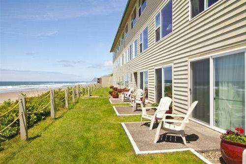 фото Pelican Shores Inn 668612169