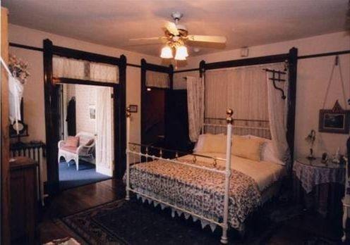 фото Castle Marne Bed & Breakfast 668612578