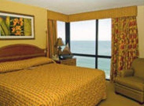фото Schooner Beach and Racquet Club 668614600