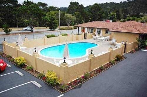 фото Super 8 Monterey/Carmel 668615686