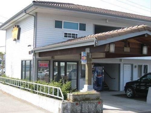 фото Crown Inn 668622569