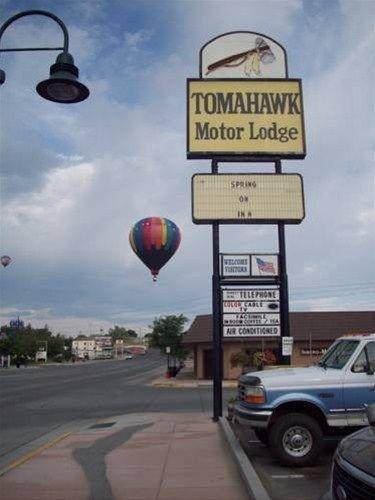 фото Tomahawk Motor Lodge 668623882