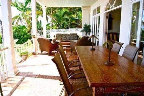 фото Lahaina Oceanfront Estate 668651590
