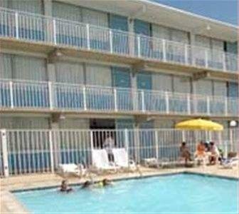 фото Thunderbird Beach Motel 668652075