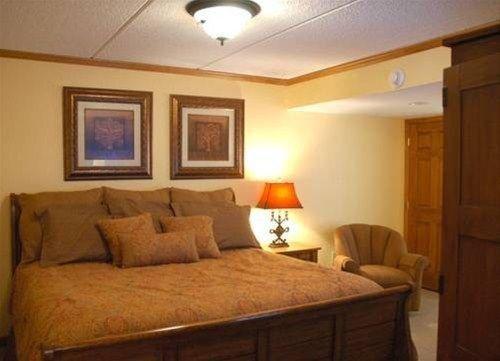 фото Mountain Village Inn Condominiums 668652590