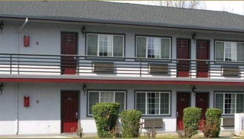 фото Redwood Inn Motel 668659811