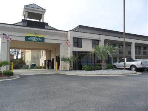 фото America`s Best Inn & Suites Macon 668680460