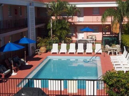 фото South Palm Suites 668744759