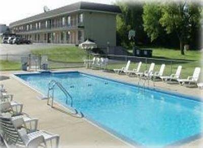 фото Budget Host Diplomat Motel 668745373