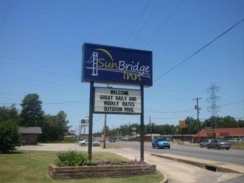 фото Sun Bridge Inn Pine Bluff 668745602