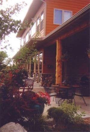 фото Yellowstone River Lodge, Cabins and B & B 668746756