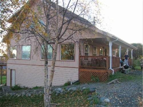 фото Pioneer Inn Guesthouse 668747212
