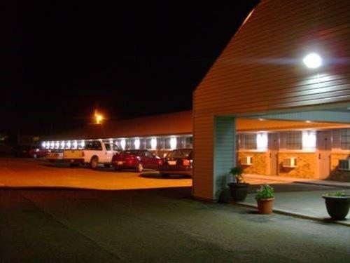 фото Lodge USA Motel 668747950