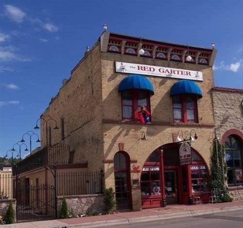 фото Red Garter B&B Inn 668748031