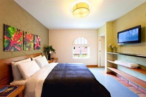 фото Espanola Way Suites 668748655