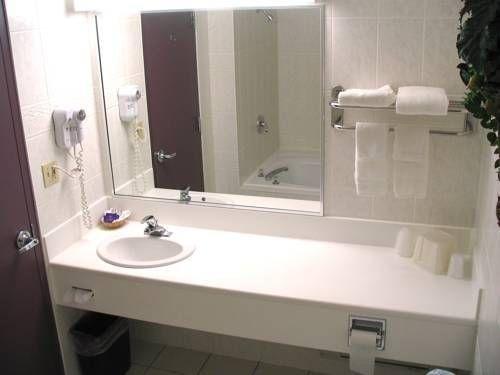 фото Comfort Inn Lundy`s Lane 673557610