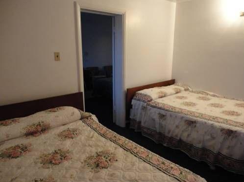 фото Bonanza Motel 673558390