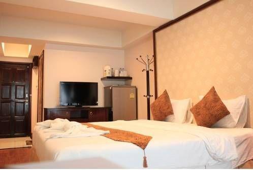 фото Maleez Lodge Hotel & Restaurant 677178247