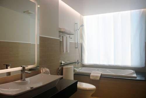 фото Aiyara Grand Hotel 677216604